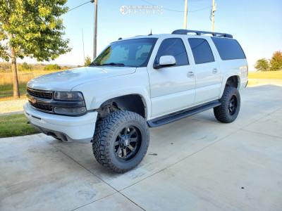 "2004 Chevrolet Suburban 1500 - 20x10 -23.876mm - Moto Metal Mo984 - Suspension Lift 6"" - 35"" x 12.5"""