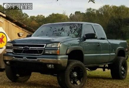 "2007 Chevrolet Silverado 1500 Classic - 20x12 -44mm - XD Xd775 - Suspension Lift 6"" - 325/60R20"