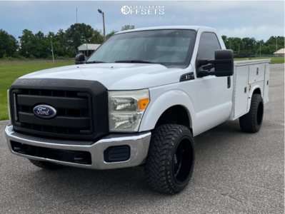 2011 Ford F-250 Super Duty - 20x12 -51mm - Hardrock Overdrive - Stock Suspension - 285/50R20