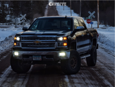 "2015 Chevrolet Silverado 1500 - 17x9 9mm - Method Nv - Suspension Lift 6.5"" - 35"" x 12.5"""