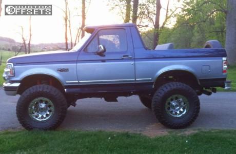 "1995 Ford Bronco - 17x8 0mm - American Racing Atx Slot - Suspension Lift 4"" - 37"" x 13.5"""