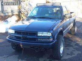 "2002 Chevrolet S10 - 15x7 -6mm - American Racing AR23 - Body Lift 3"" - 30"" x 9.5"""