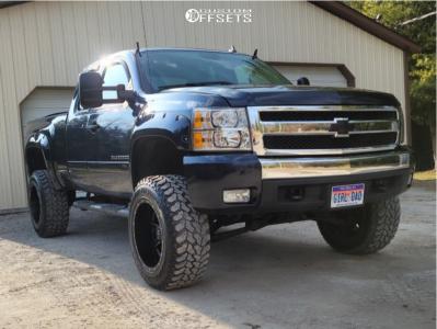 "2008 Chevrolet Silverado 1500 - 20x12 -44mm - Fuel Maverick - Suspension Lift 6.5"" - 35"" x 12.5"""