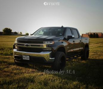 "2019 Chevrolet Silverado 1500 - 20x12 -44mm - Hostile H115 - Suspension Lift 6.5"" - 33"" x 11.5"""