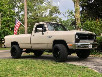 "1988 Dodge W150 - 20x12 -51mm - Hardrock Overdrive - Stock Suspension - 32"" x 11.5"""