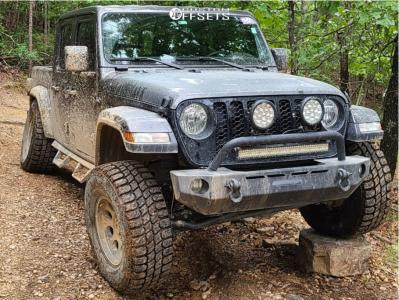 "2021 Jeep Gladiator - 17x9 0mm - G-FX Tr16 - Suspension Lift 2.5"" - 35"" x 12.5"""