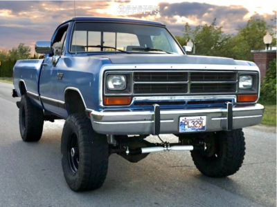 "1990 Dodge W250 - 17x10 -24mm - Vision Soft 8 - Suspension Lift 4"" - 35"" x 12.5"""