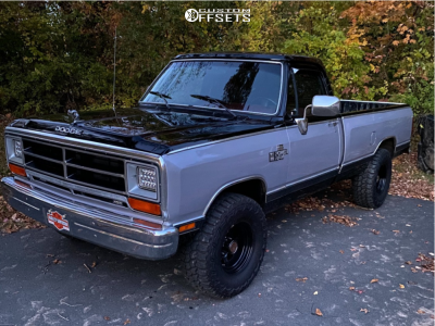 "1989 Dodge W100 - 15x10 -24mm - Pro Comp 69 - Stock Suspension - 33"" x 12.5"""