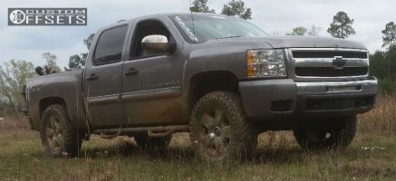"""2009 Chevrolet Silverado 1500 - 20x8 31mm - Spaced out Stockers Spaced out stockers - Leveling Kit & Body Lift - 35"""" x 12.5"""""""