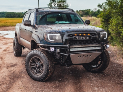 """2008 Toyota Tacoma - 17x9 -22mm - American Outlaw Lonestar - Suspension Lift 3.5"""" - 33"""" x 12.5"""""""