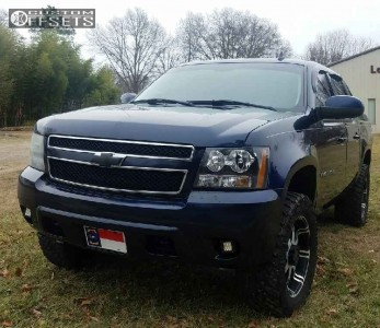 """2007 Chevrolet Avalanche - 20x9 0mm - American Racing Ar708 - Leveling Kit - 33"""" x 12.5"""""""