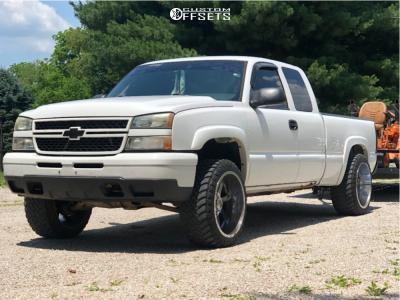 "2007 Chevrolet Silverado 1500 Classic - 22x12 -44mm - Gear Big Block - Leveling Kit - 33"" x 12.5"""