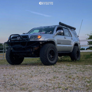 """2009 Toyota 4Runner - 17x9 -38mm - Dirty Life Dt-1 - Suspension Lift 3"""" - 35"""" x 12.5"""""""