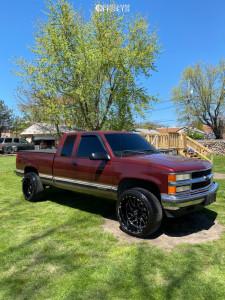 1998 Chevrolet K1500 - 22x12 -44mm - TIS 544bm - Stock Suspension - 305/40R22