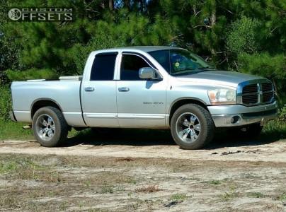 2006 Dodge Ram 1500 - 20x8.5 15mm - Cruiser Alloy 922c - Stock Suspension - 275/60R20