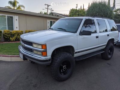 "1999 Chevrolet Tahoe - 16x8 -6.35mm - Vision Soft 8 - Suspension Lift 6"" - 315/75R16"