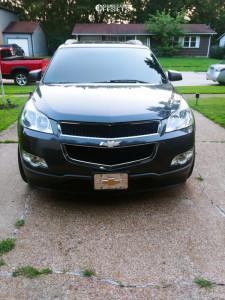 2012 Chevrolet Traverse - 22x9.5 0mm - Massiv 923 - Stock Suspension - 265/40R22
