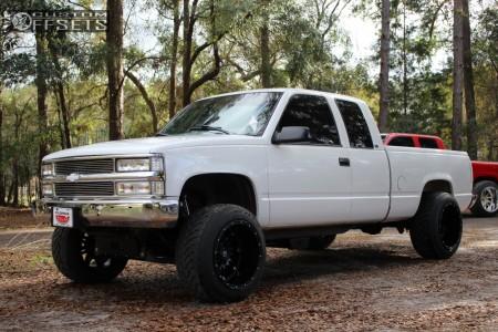 "1998 Chevrolet K1500 - 20x14 -76mm - Fuel Hostage - Suspension Lift 6"" - 305/50R20"