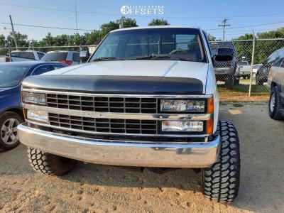 "1990 Chevrolet K1500 - 15x12 -44mm - Mickey Thompson Classic - Suspension Lift 4"" - 33"" x 12.5"""