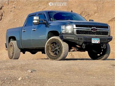 "2012 Chevrolet Silverado 1500 - 18x10 -24mm - Moto Metal Mo970 - Leveling Kit - 33"" x 12.5"""