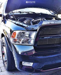 2011 Dodge Ram 1500 - 22x10 -24mm - Moto Metal Mo992 - Lowered 2F / 4R - 305/45R22