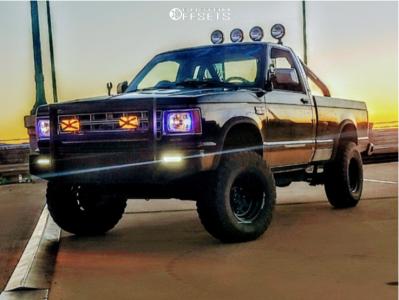"""1985 Chevrolet S10 - 15x8 -19mm - Vision D Window - Suspension Lift 2.5"""" - 31"""" x 10.5"""""""