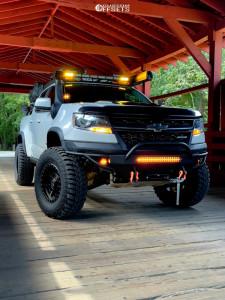 "2018 Chevrolet Colorado - 17x9 0mm - Anthem Off-Road Rogue - Stock Suspension - 35"" x 12.5"""