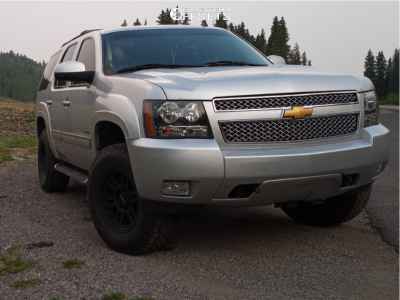 2014 Chevrolet Tahoe - 17x9 18mm - Vision Manx 2 Overland - Leveling Kit - 285/70R17