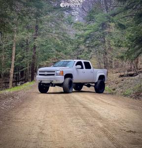 "2013 Chevrolet Silverado 1500 - 20x12 -44mm - Mickey Thompson Sidebiter Ii - Suspension Lift 9.5"" - 38"" x 15.5"""