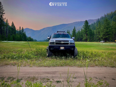 "2003 Chevrolet Avalanche 1500 - 20x12 -44mm - Hardrock Slammer Xposed - Suspension Lift 6"" - 35"" x 12.5"""