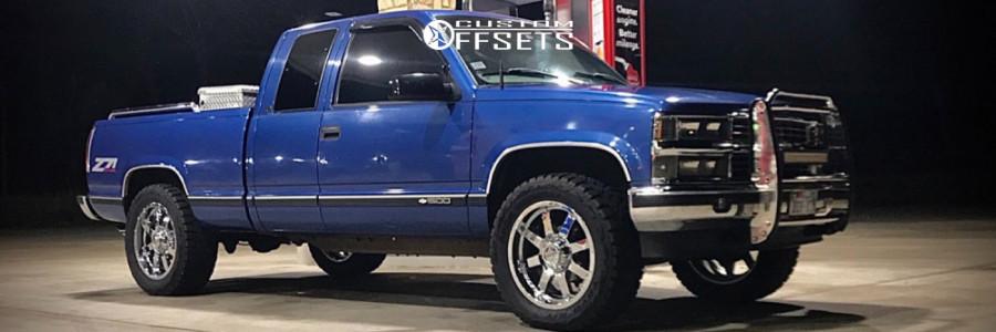 1997 Chevrolet K1500 - 20x9 10mm - Gear Off-Road 726c - Stock Suspension - 285/55R20