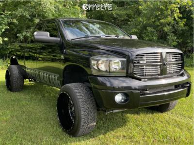 "2007 Dodge Ram 2500 - 22x14 -76mm - TIS 544bm - Suspension Lift 2.5"" - 33"" x 12.5"""