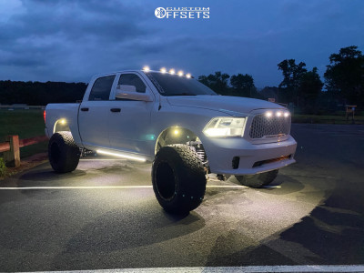 "2016 Ram 1500 - 20x14 -76mm - Fuel Maverick - Suspension Lift 6"" - 37"" x 13.5"""