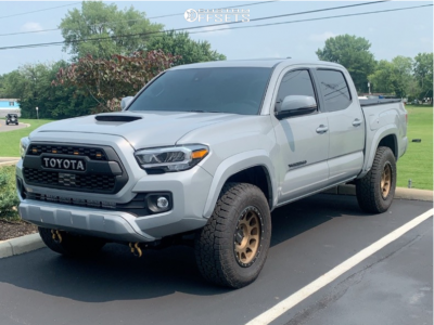 2021 Toyota Tacoma - 17x8.5 0mm - Method Mr305 - Stock Suspension - 265/70R17