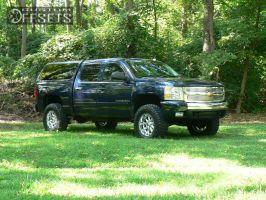 """2008 Chevrolet Silverado 1500 - 18x9 -12mm - XD Badlands - Suspension Lift 4"""" - 295/65R18"""
