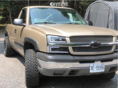 "2004 Chevrolet Silverado 1500 - 17x9 -10mm - Ultra Maverick - Leveling Kit - 33"" x 12.5"""
