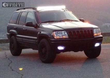 2002 Jeep Grand Cherokee - 17x9 18mm - Gear Off-Road Black Jack - Leveling Kit - 265/70R17
