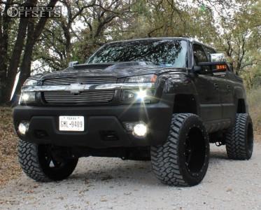 "2003 Chevrolet Avalanche - 22x14 -76mm - Fuel Hostage - Suspension Lift 6"" - 355/40R22"