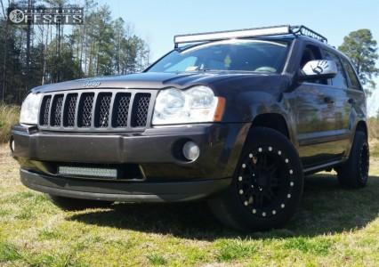 2006 Jeep Grand Cherokee - 17x9 -6mm - Pro Comp 31 - Stock Suspension - 235/65R17
