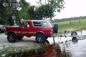 "1991 Ford Bronco - 17x9 -12mm - XD Spy - Suspension Lift 4"" - 35"" x 12.5"""