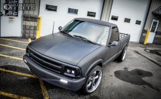 1995 Chevrolet S10 - 20x9.5 12mm - Vision Legend 5 - Lowered 3F / 5R - 255/35R20