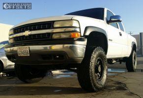 2001 Chevrolet Silverado 2500 - 16x8 0mm - Pro Comp 7032 - Leveling Kit & Body Lift - 315/70R16