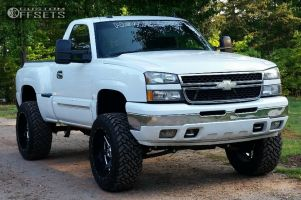 """2003 Chevrolet Silverado 1500 - 22x12 -44mm - Fuel Renegade - Suspension Lift 6"""" - 35"""" x 12.5"""""""
