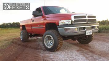 "2000 Dodge Ram 2500 - 17x14 -76.2mm - Weld Racing Mountain Crusher - Leveling Kit - 33"" x 12.5"""