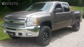 2013 Chevrolet Silverado 1500 - 18x9 0mm - Dropstars 645MB - Leveling Kit - 275/70R18