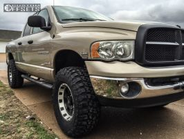 "2004 Dodge Ram 1500 - 17x9 0mm - Pro Comp Series 89 - Leveling Kit - 35"" x 12.5"""