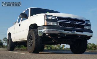 "2006 Chevrolet Silverado 1500 - 17x9 -12mm - XD Addict - Suspension Lift 4.5"" - 285/70R17"