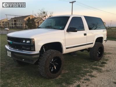 "1994 Chevrolet Blazer - 20x12 -44mm - Dfd N/a - Suspension Lift 6"" - 35"" x 12.5"""