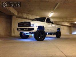 """2002 Dodge Ram 2500 - 18x10 -24mm - Moto Metal MO962 - Leveling Kit - 35"""" x 12.5"""""""