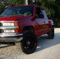 1998 Chevrolet K1500 - 20x9 18mm - XD Hoss - Leveling Kit - 305/55R20